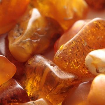 amber attar manufacturer distributor supplier exporter wholesalers in kannauj kanpur delhi mumbai india